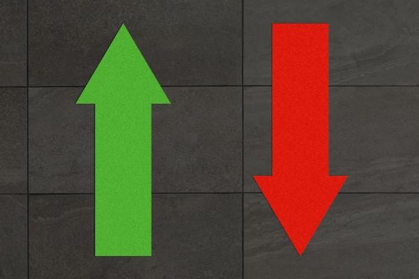 Fussbodenaufkleber Set Pfeile konturgeschnitten Grün & Rot (700x300mm)